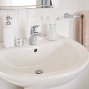 American Standard 7075100.002 - Colony PRO Single-Handle Bathroom Faucet with Metal Pop-Up Drain
